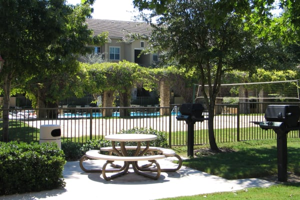 Picnic table and community space at Villas at Oakwell Farms in San Antonio, Texas