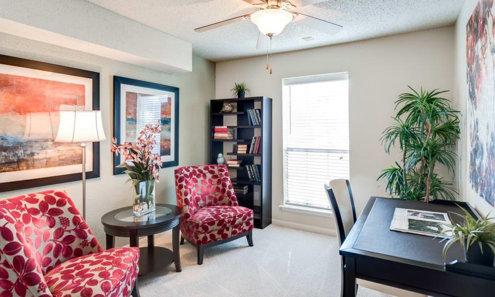 Living room at Seventeen15