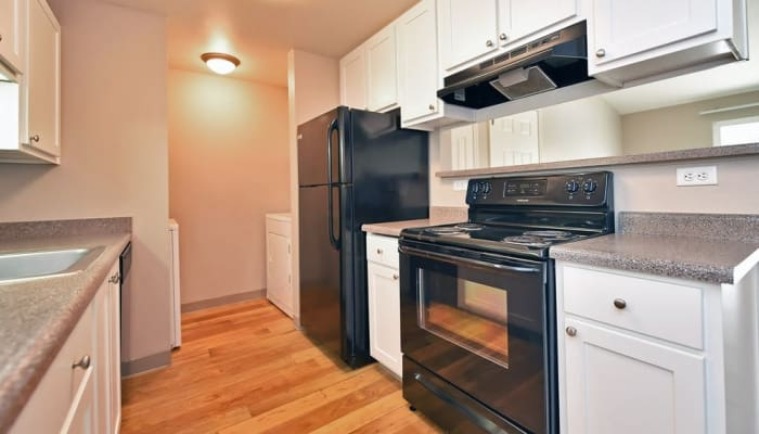 Maybeck at the Bend model kitchen