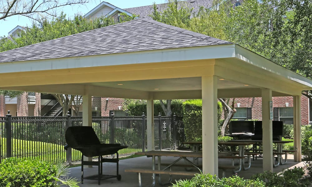 Barbecue area at Ashley House in Katy, Texas