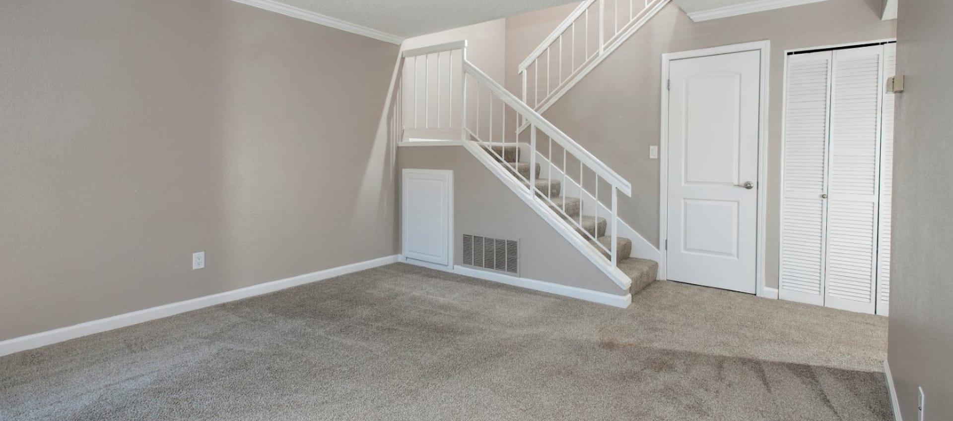 Living room at Ridgecrest Apartment Homes in Martinez, California