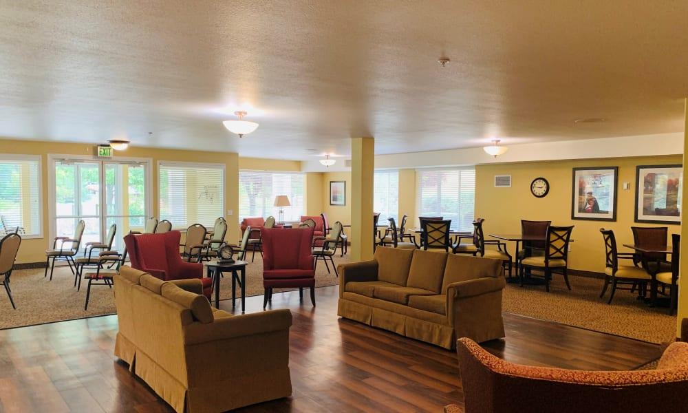 Common area at Maple Ridge Senior Living