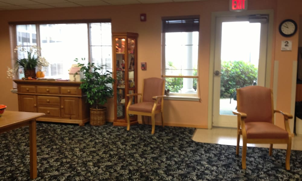 Resident community room at Pacific View Senior Living Community in Bandon, Oregon