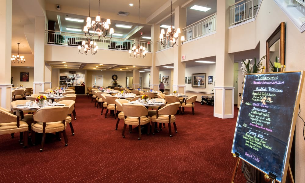 A large community dining room for residents at Cedarview Gracious Retirement Living in Woodstock, Ontario