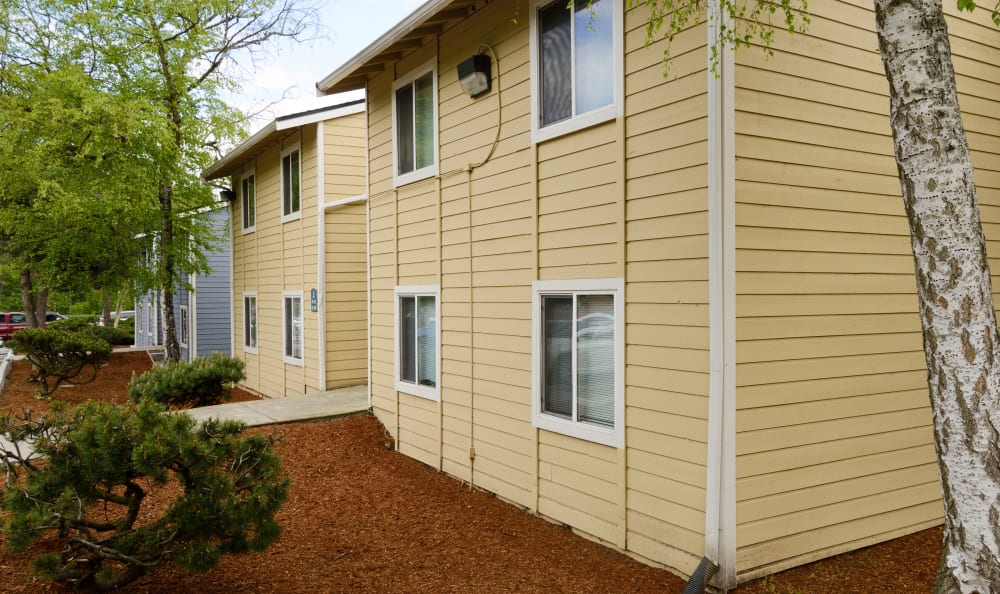 Exterior shot of The Boulevard at South Station Apartment Homes in Tukwila, Washington