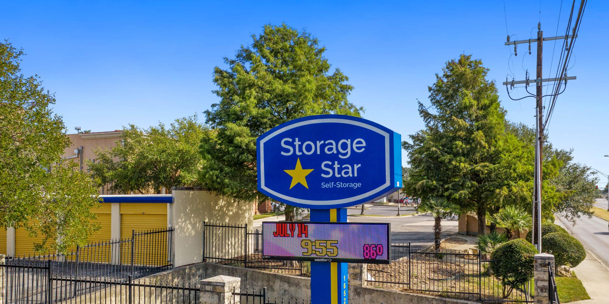 Storage Units Ensley Pensacola Fl 32514 Simply Self Storage