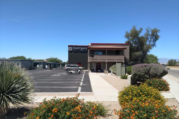 Self storage building exterior in Tucson