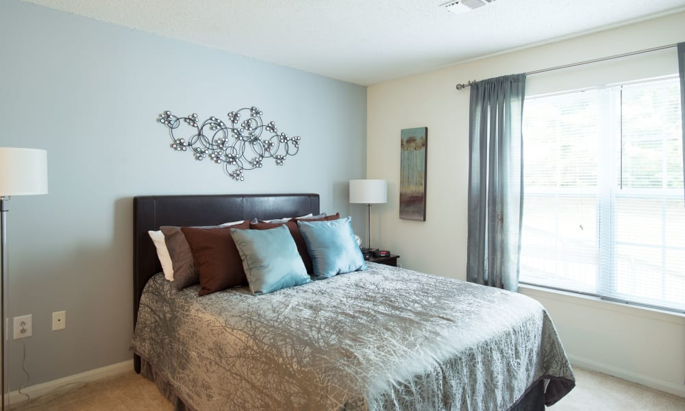 Ashwood Valley offers a naturally well-lit bedroom in Danbury, CT