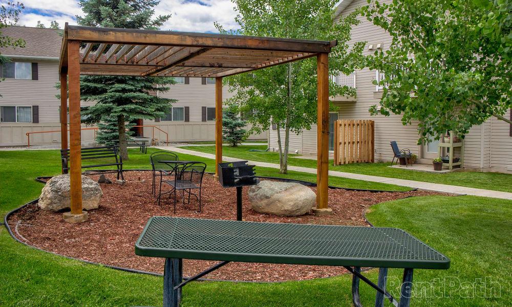 Mountain View Apartments offers beautiful walking paths in Bozeman, Montana