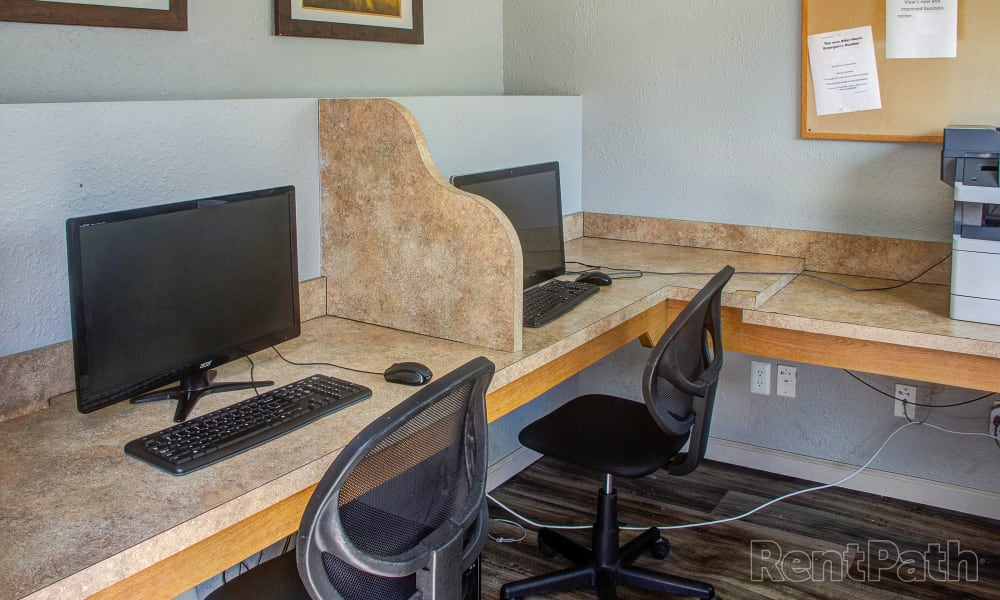 Mountain View Apartments offers a modern computer lab in Bozeman, Montana