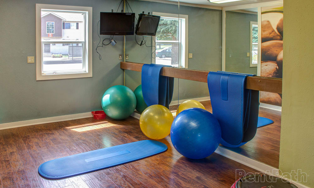 Mountain View Apartments offers a modern fitness center in Bozeman, Montana