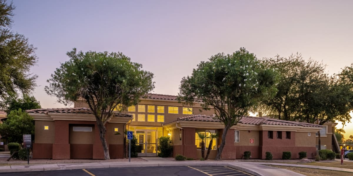 Main building entrance to Alante at the Islands in Chandler, Arizona