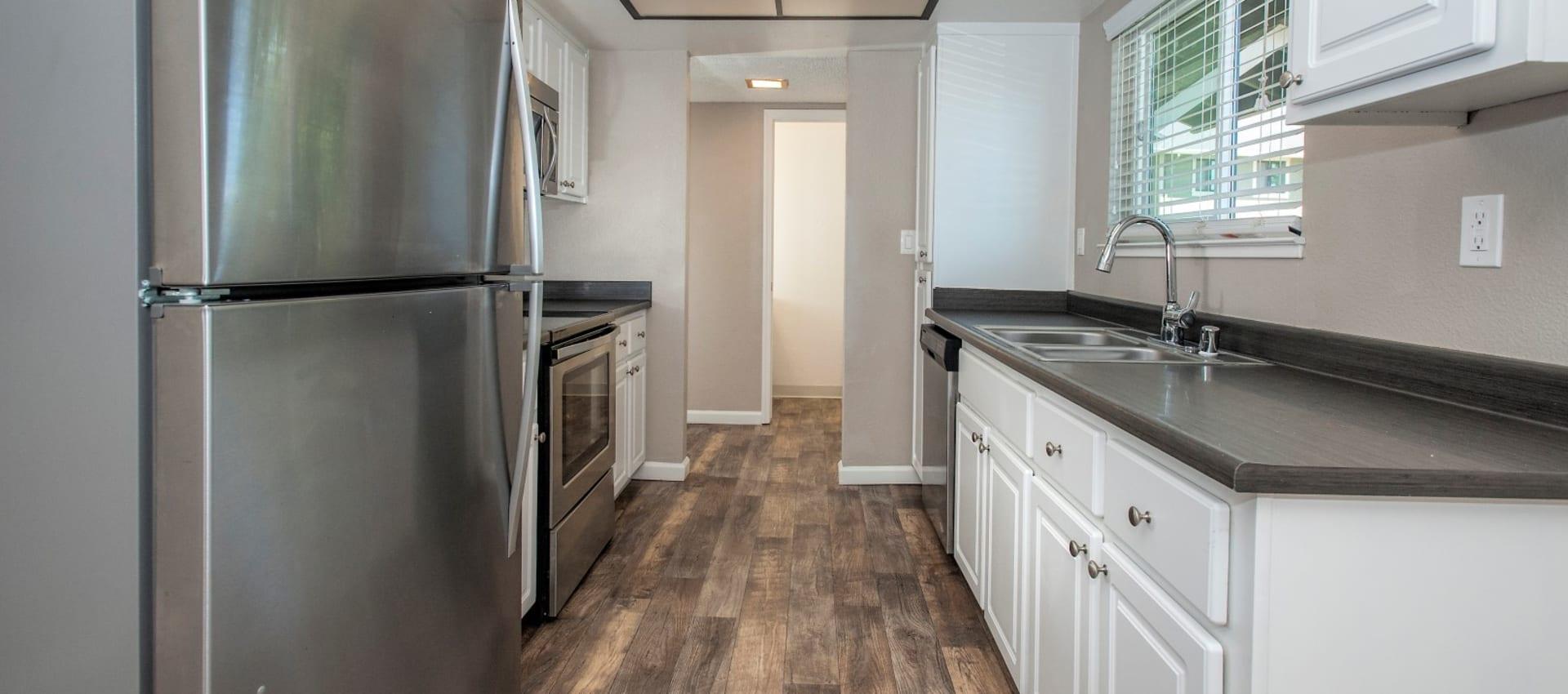Luxury kitchen at Ridgecrest Apartment Homes in Martinez, California