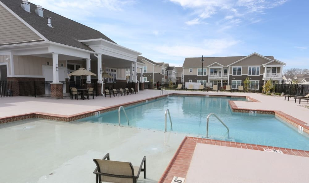 resort style pool at Springs at Hurstbourne in Louisville, KY
