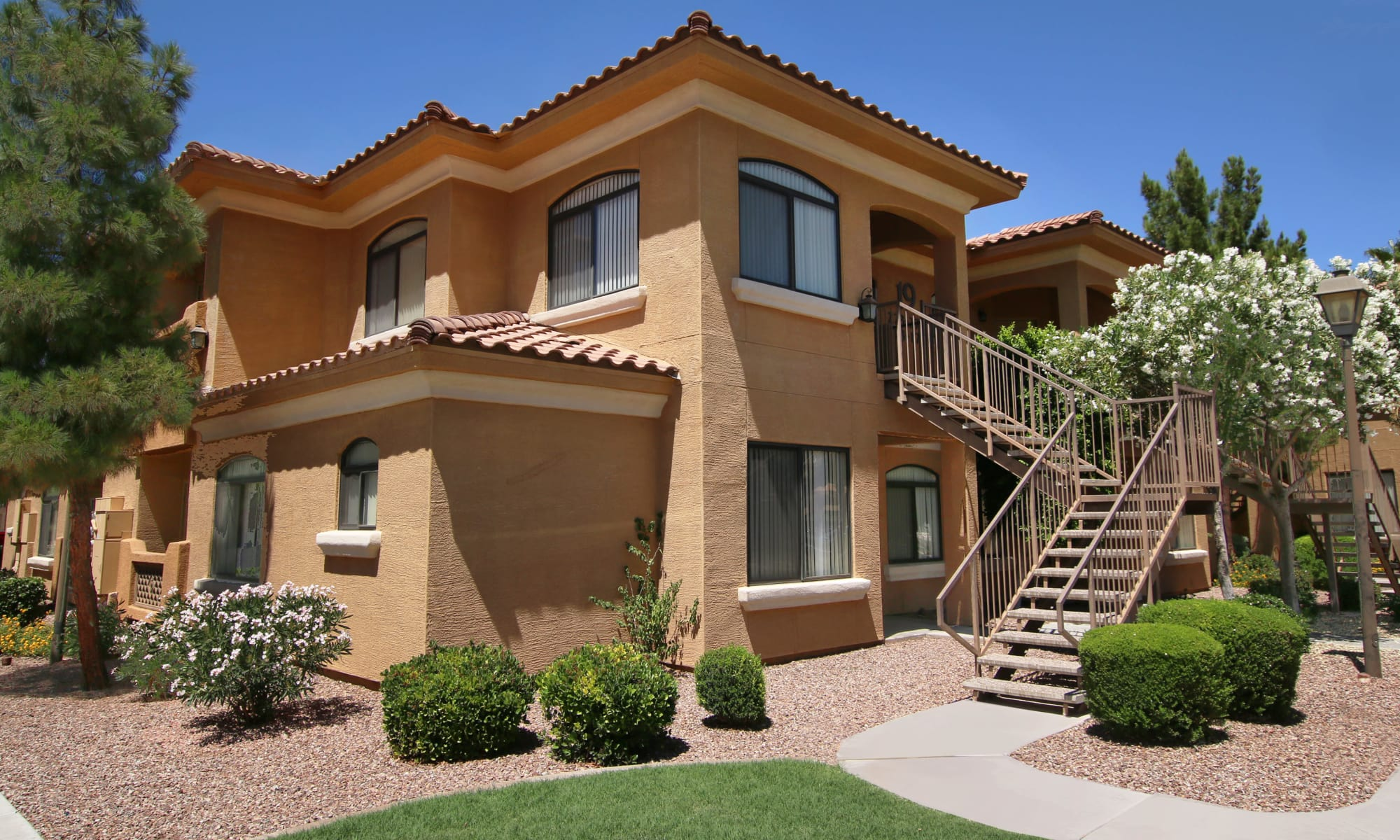 Apartments at The Retreat at the Raven in Phoenix, Arizona