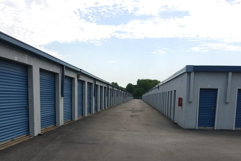 Storage units for rent at Store It All Self Storage - Airline in Houston, Texas