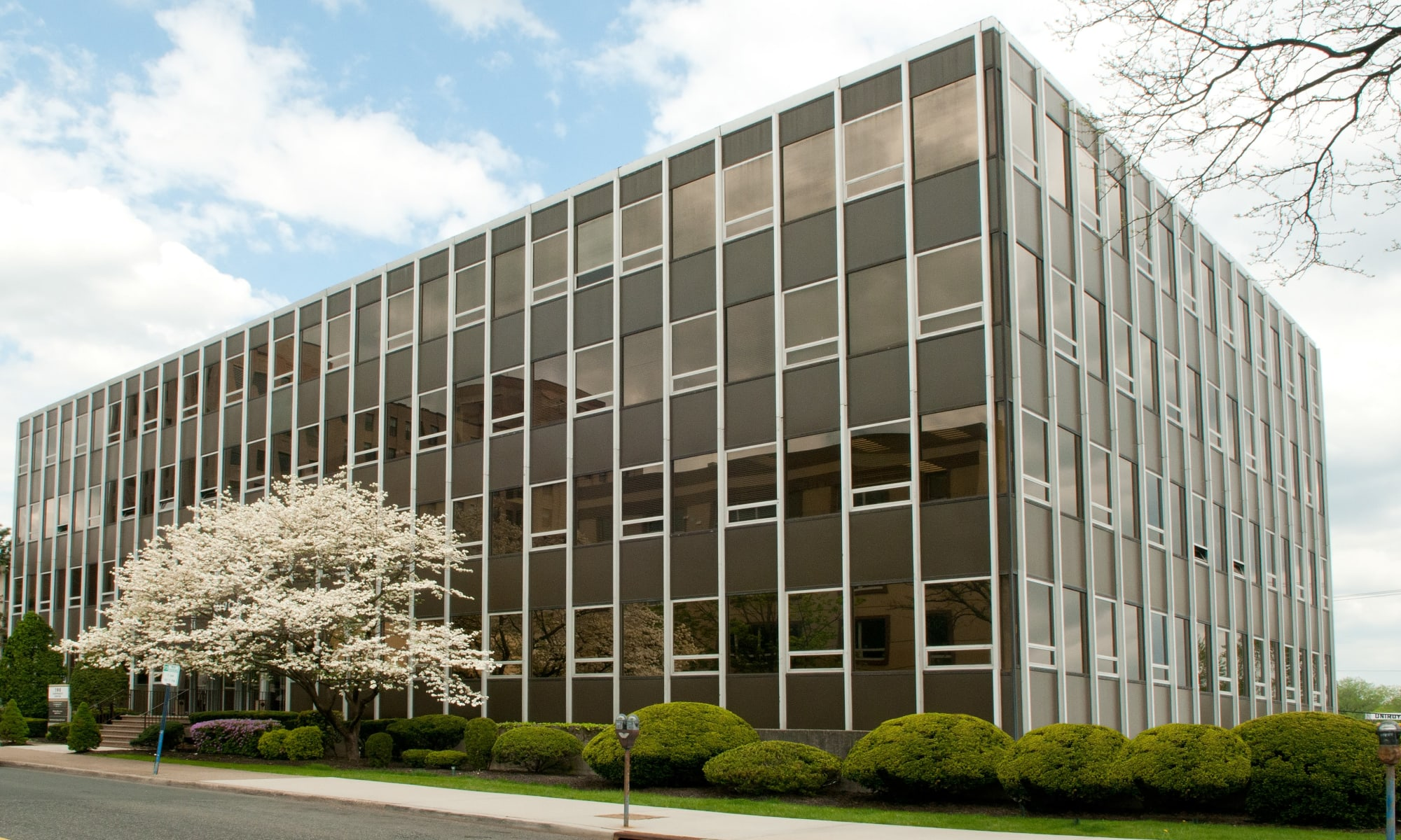 Office spaces for lease at 190 Moore Corporate Center in Hackensack, New Jersey