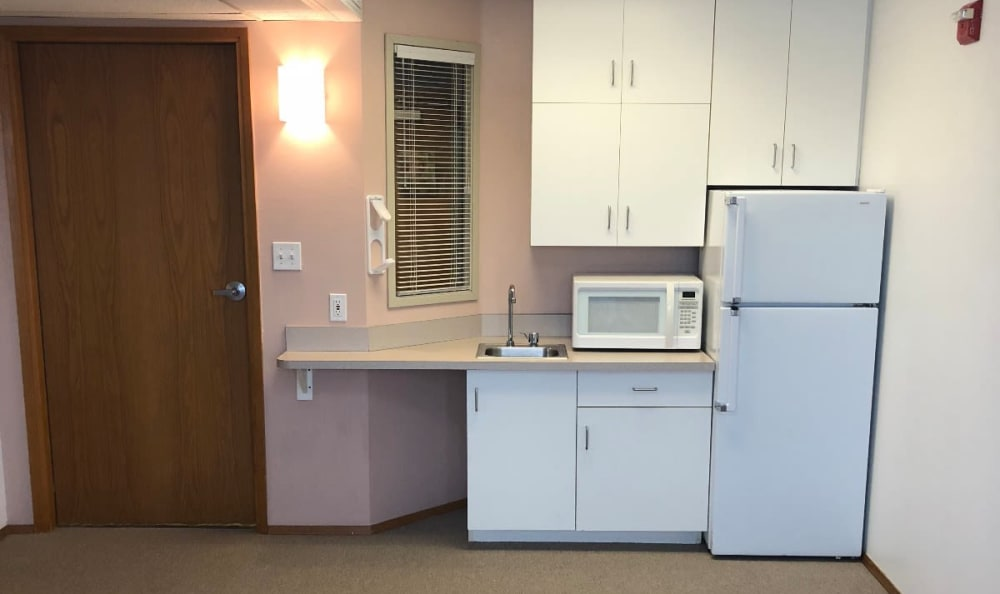 A kitchenette at Heritage Heights in Chelan, Washington