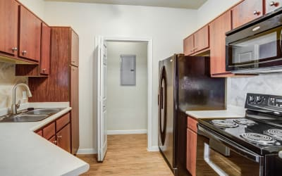 Park Hudson Place offers a Kitchen in Bryan, Texas