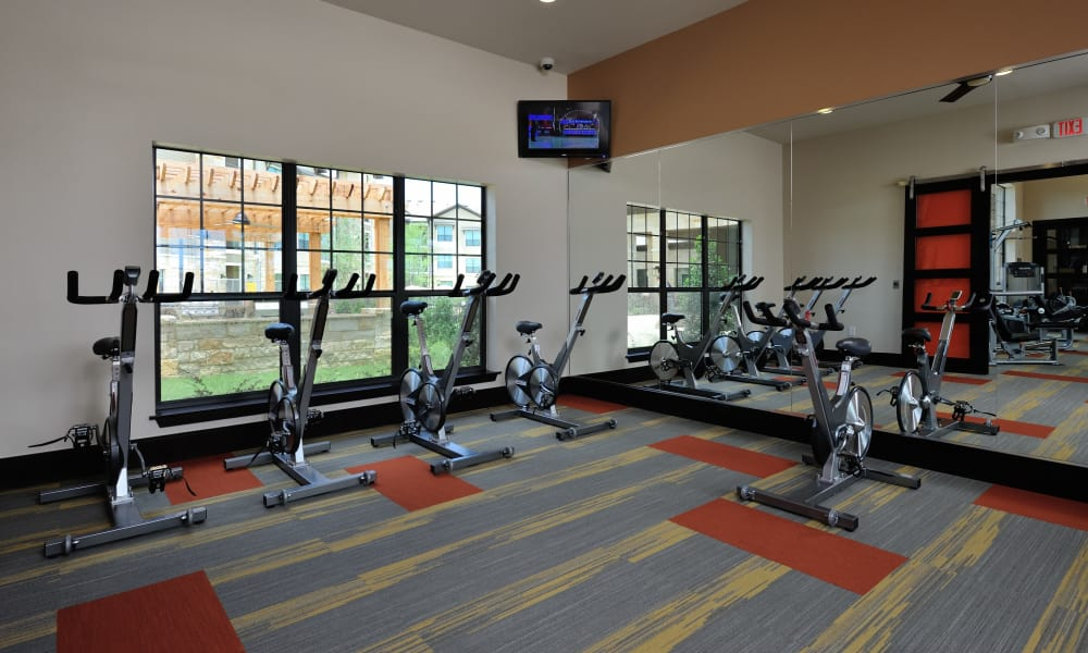 Fitness center at Cordevalle Apartments