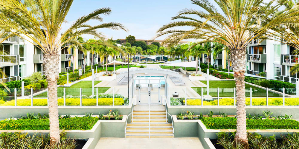 View a floor plan virtual tour at Waters Edge at Marina Harbor in Marina Del Rey, California