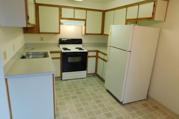 Kitchen at Pacific Crest in Silverton, OR