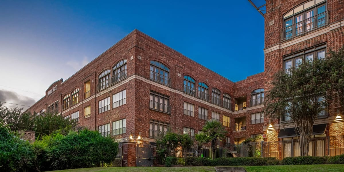 Marquis Lofts on Sabine's exterior in Houston, Texas