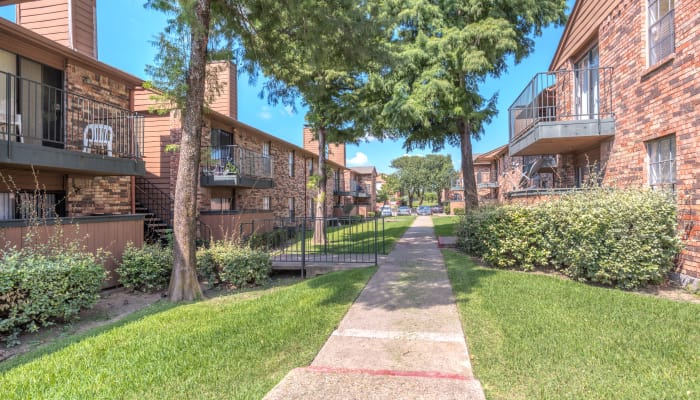 Learn about the neighborhood near Stone Ridge Apartments