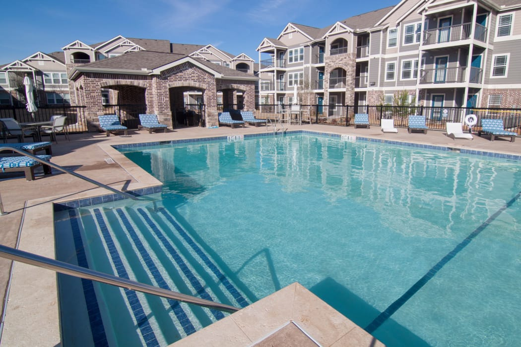 Sparkling swimming pool at Scissortail Crossing Apartments in Broken Arrow, Oklahoma