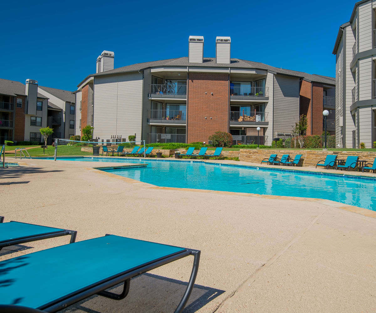 Fabulous swimming pool at Hunter's Ridge in Oklahoma City, Oklahoma