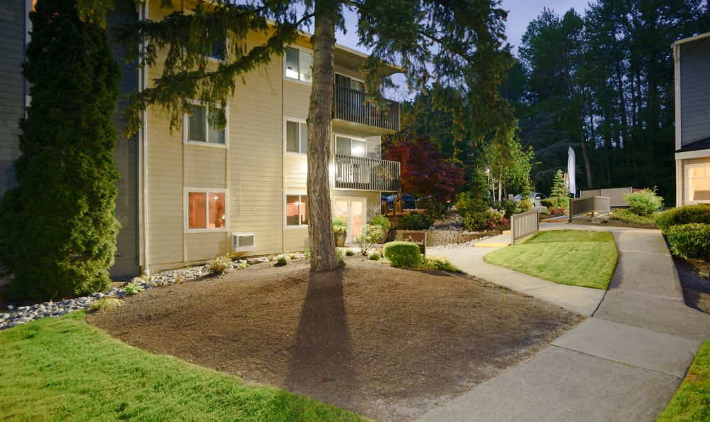 Walking Paths at The Boulevard at South Station Apartment Homes in Tukwila, Washington