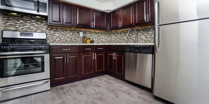 The Village of Chartleytowne Apartment & Townhomes offers a well equipped kitchen in Reisterstown, MD