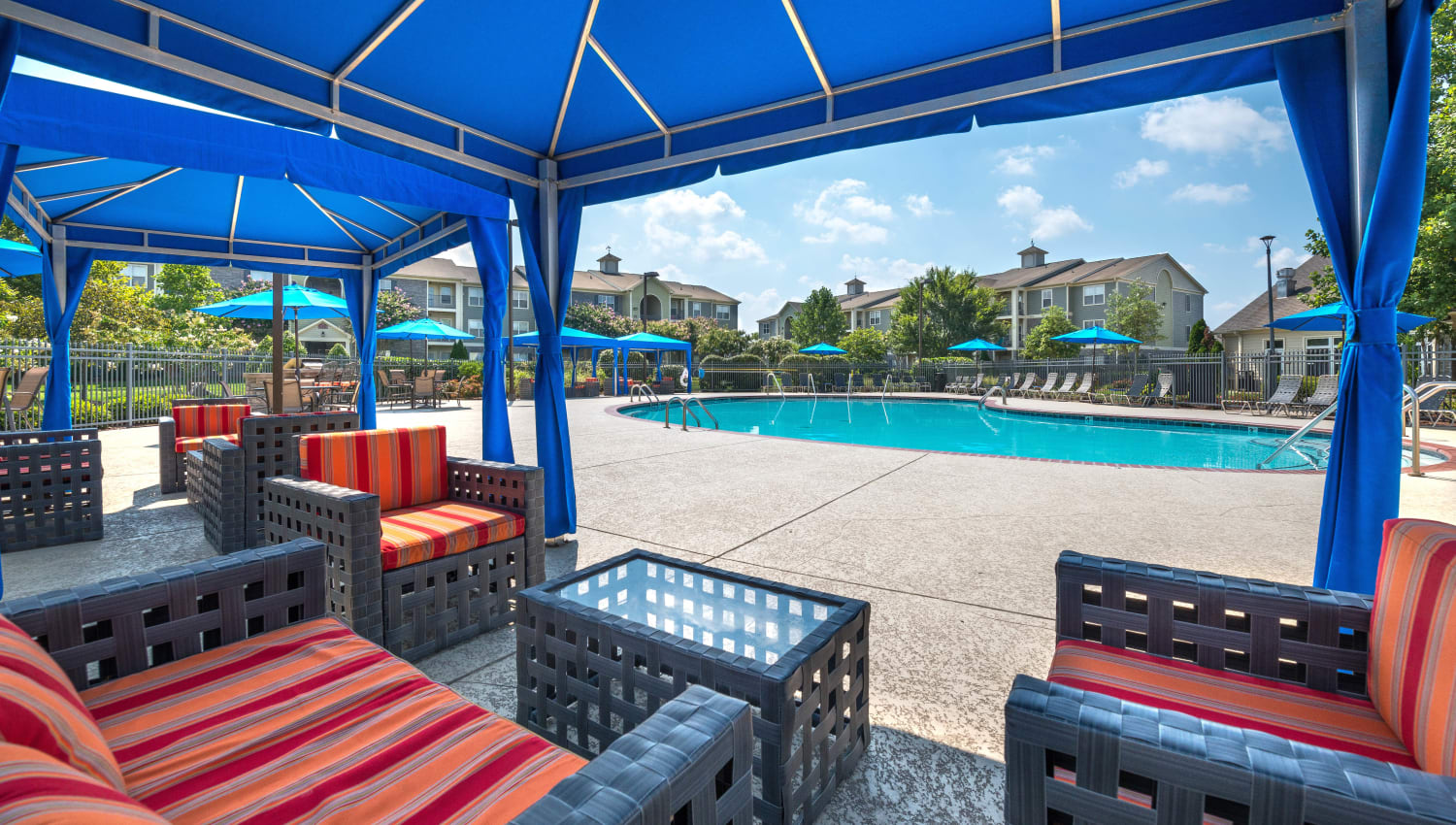 Comfortable poolside seating at Olympus Hillwood in Murfreesboro, Tennessee