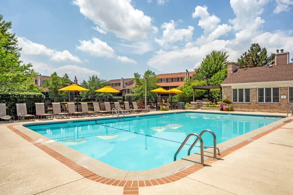 Swimming pool with a large sundeck at Aspen Place in Aurora, Illinois