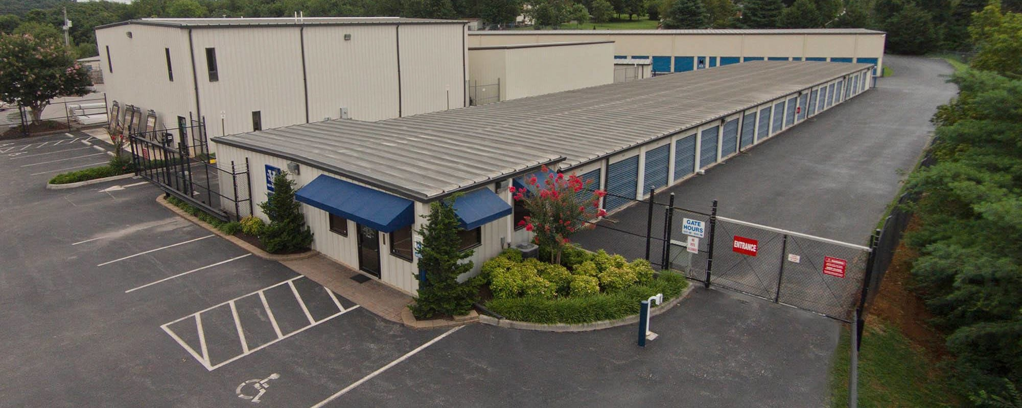 Photos of the facilities at Virginia Varsity Storage in Roanoke, Virginia