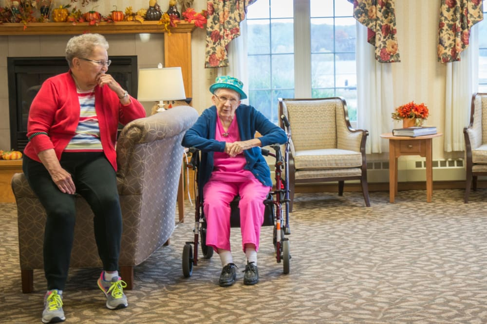 Residents relaxing at Meadow Lakes Senior Living in Rochester, Minnesota.