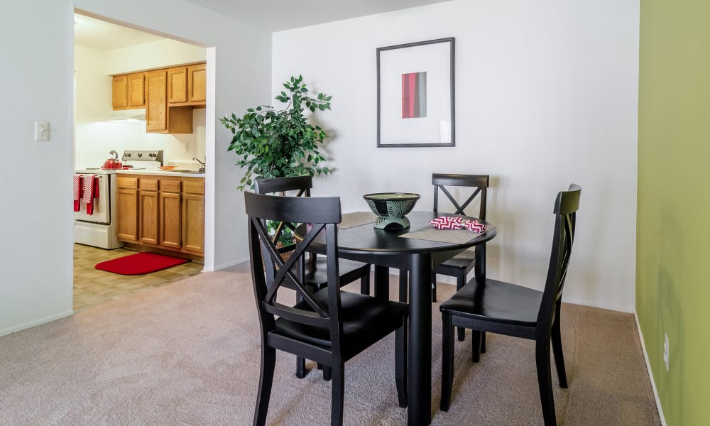 Kitchen and dining table at Edgewood Park Apartments in Pontiac, Michigan