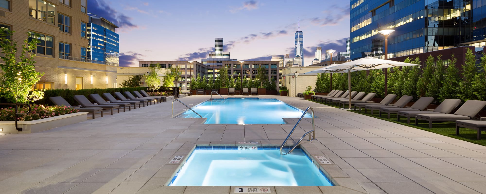 Swimming pool and hot tub at Trump Bay Street in Jersey City, New Jersey