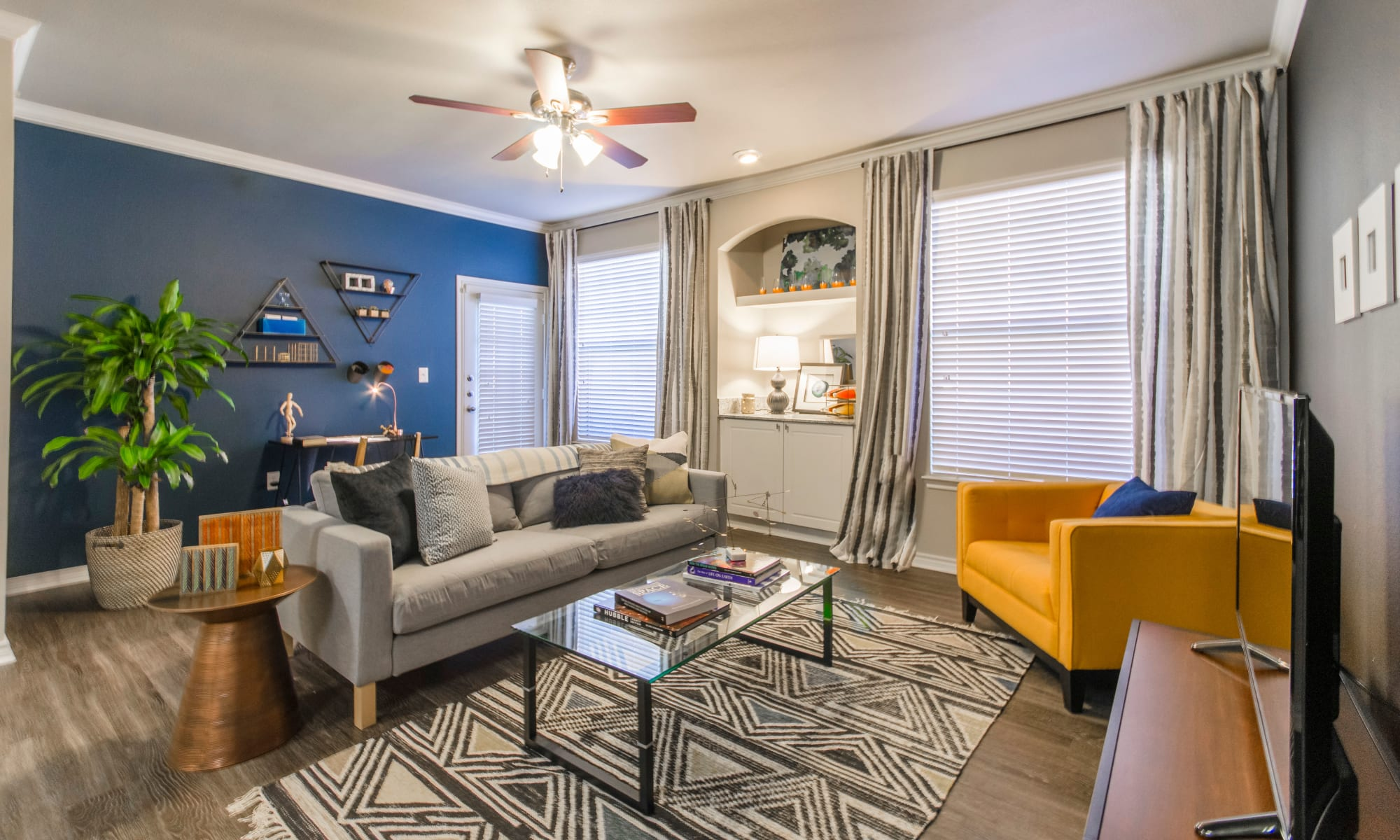 Apartments at 2803 Riverside in Grand Prairie, Texas