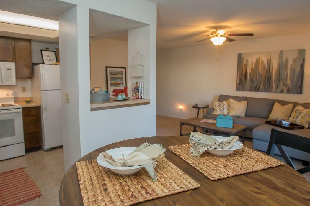 An open apartment floor plan at Hunter's Ridge in Oklahoma City, Oklahoma
