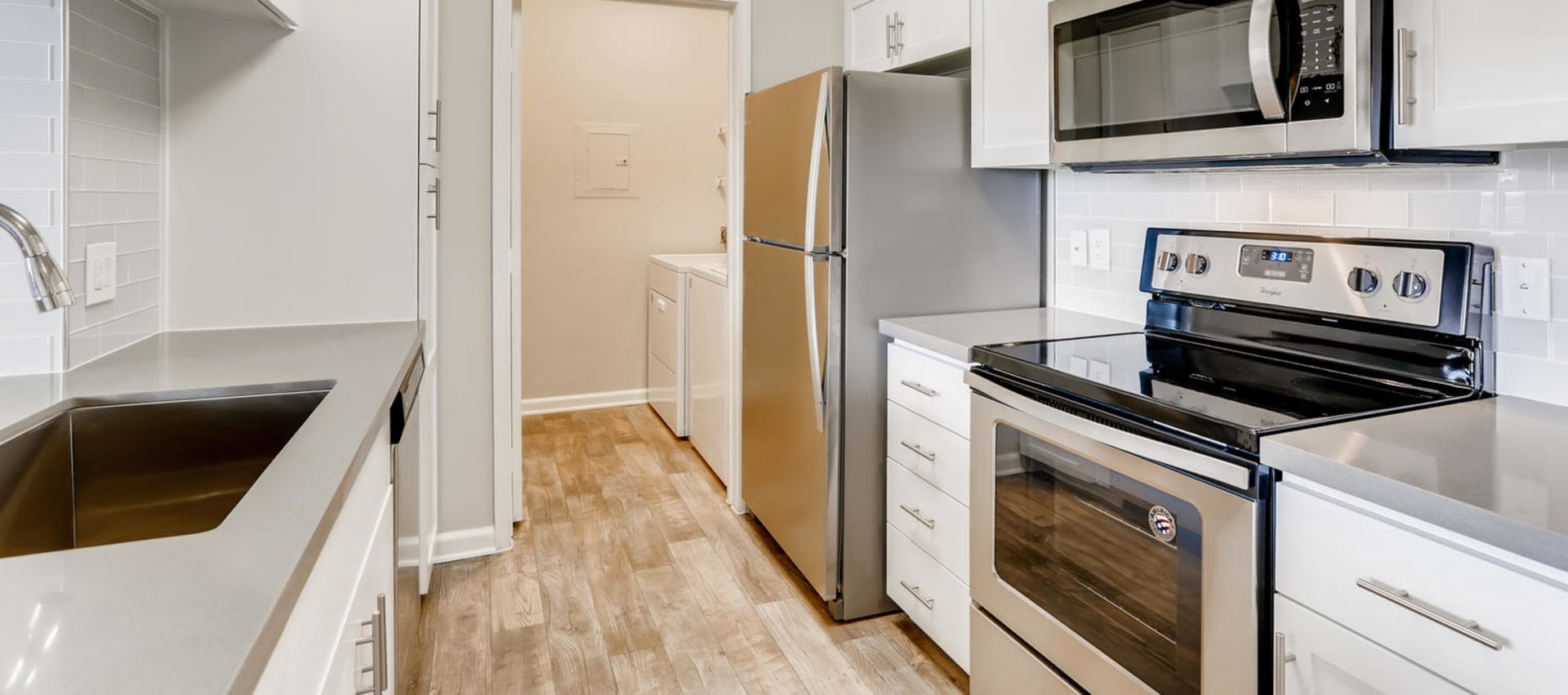 Kitchen at Alize at Aliso Viejo Apartment Homes in Aliso Viejo, California