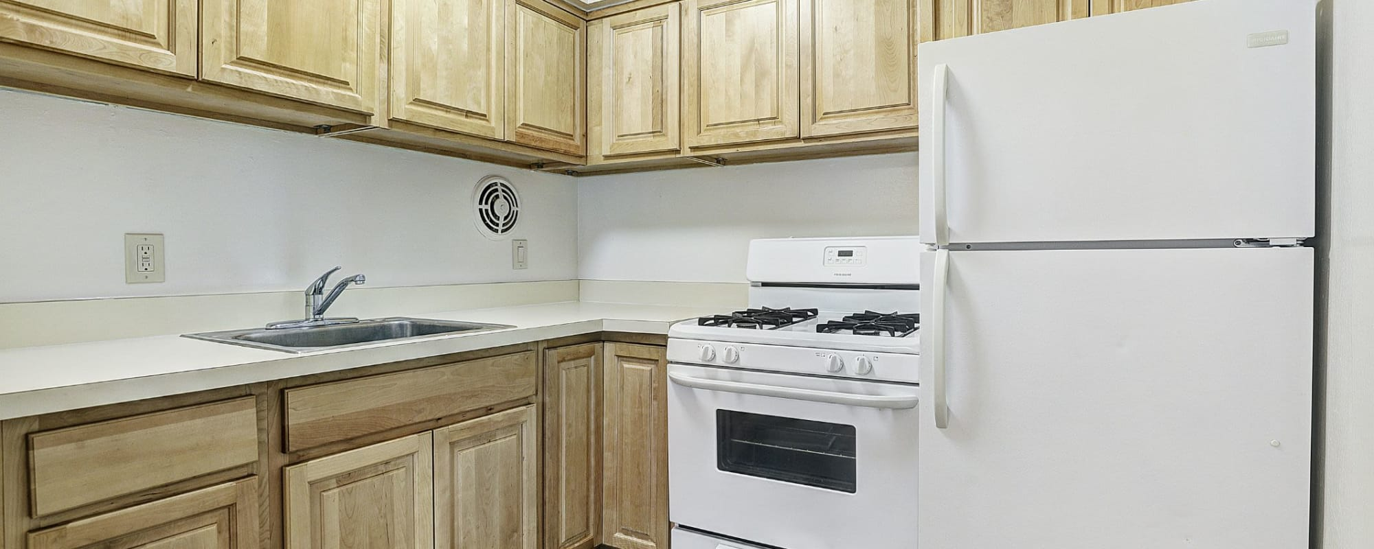 Amenities at Garret Village Apartments in Clifton, New Jersey