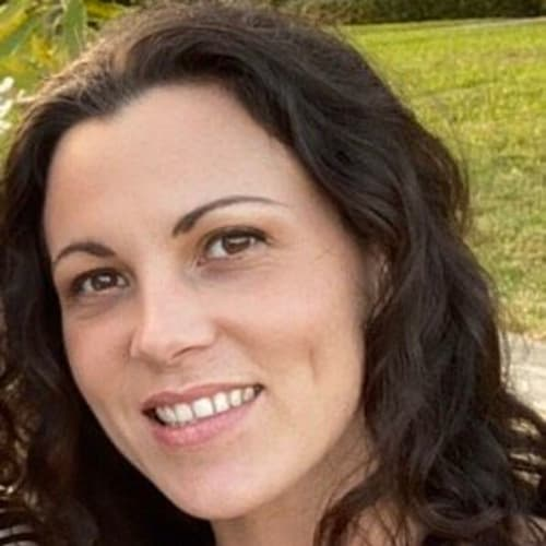 Kelly Jenkinson, Move-In and Community Outreach Coordinator of Keystone Place at Four Mile Cove in Cape Coral, Florida