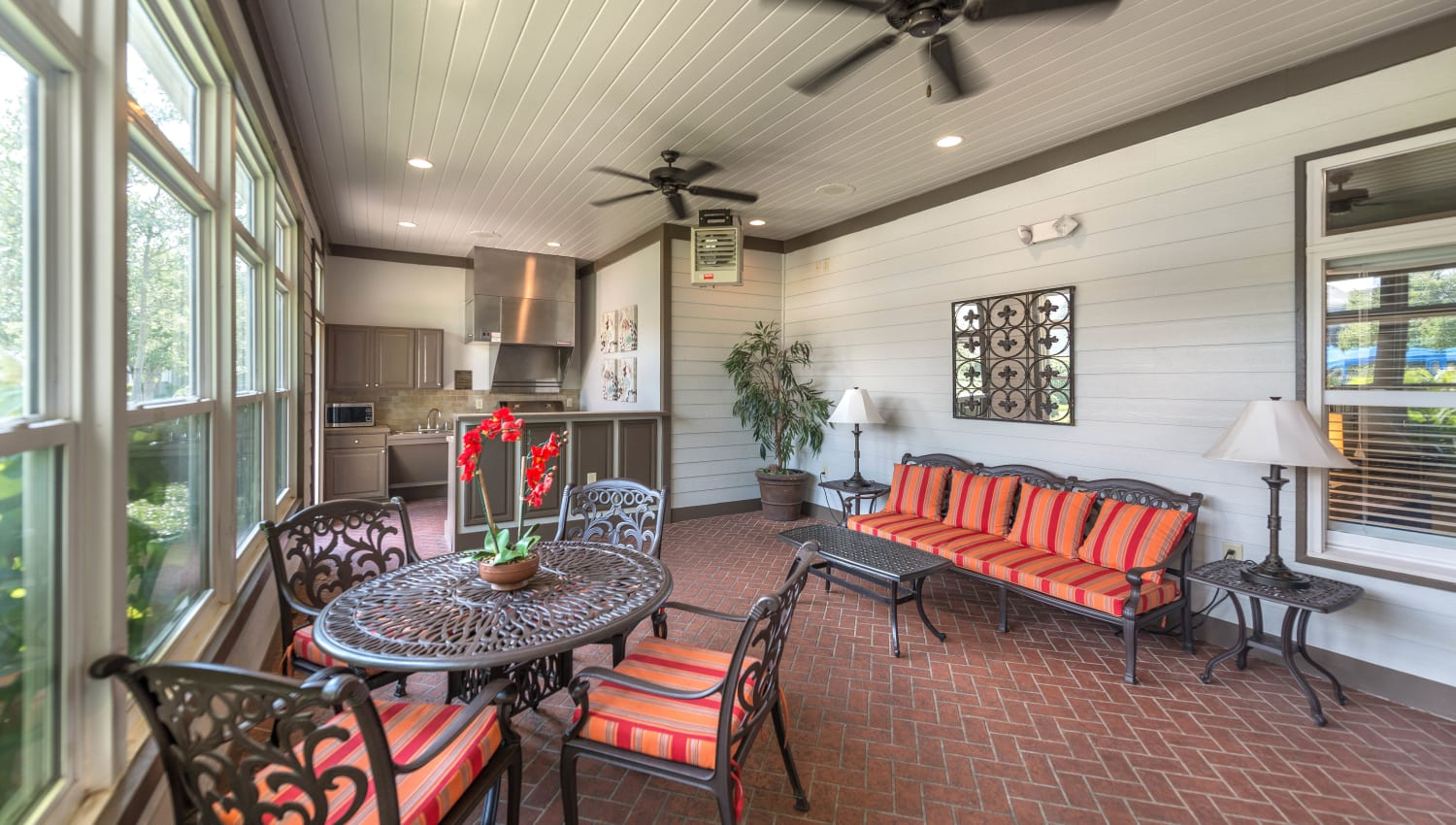 Sunroom at Olympus Hillwood in Murfreesboro, Tennessee