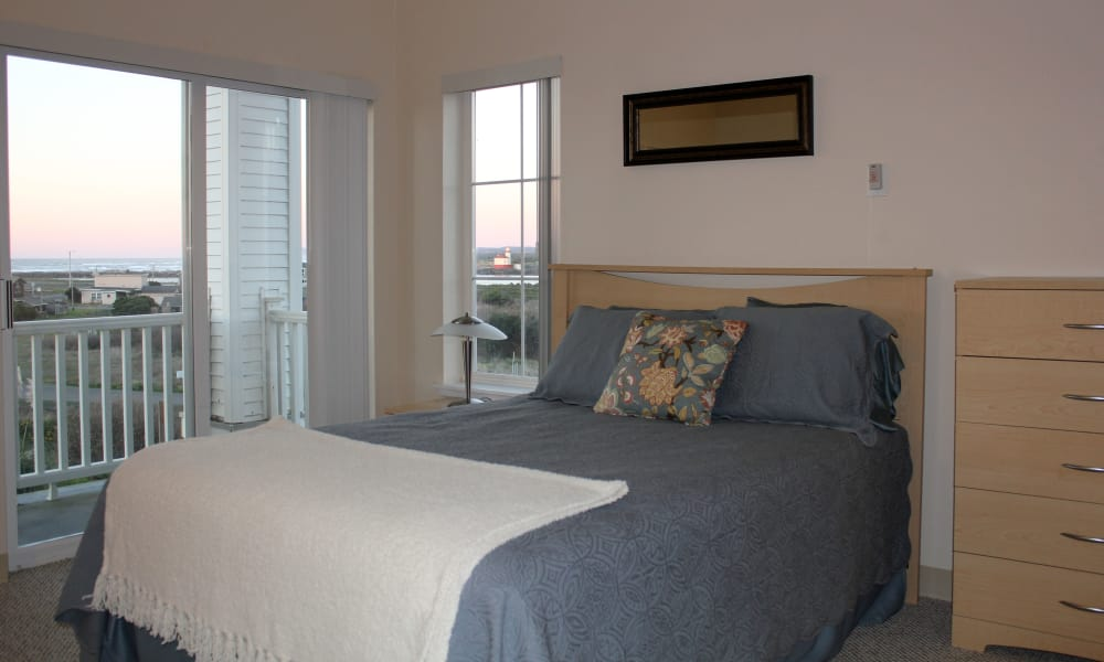 Resident bedroom at Pacific View Senior Living Community in Bandon, Oregon