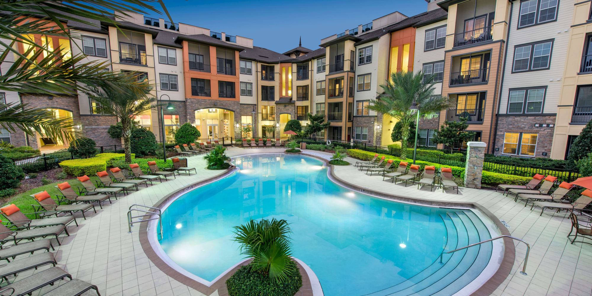Apartments at The Courtney at Universal Boulevard in Orlando Florida