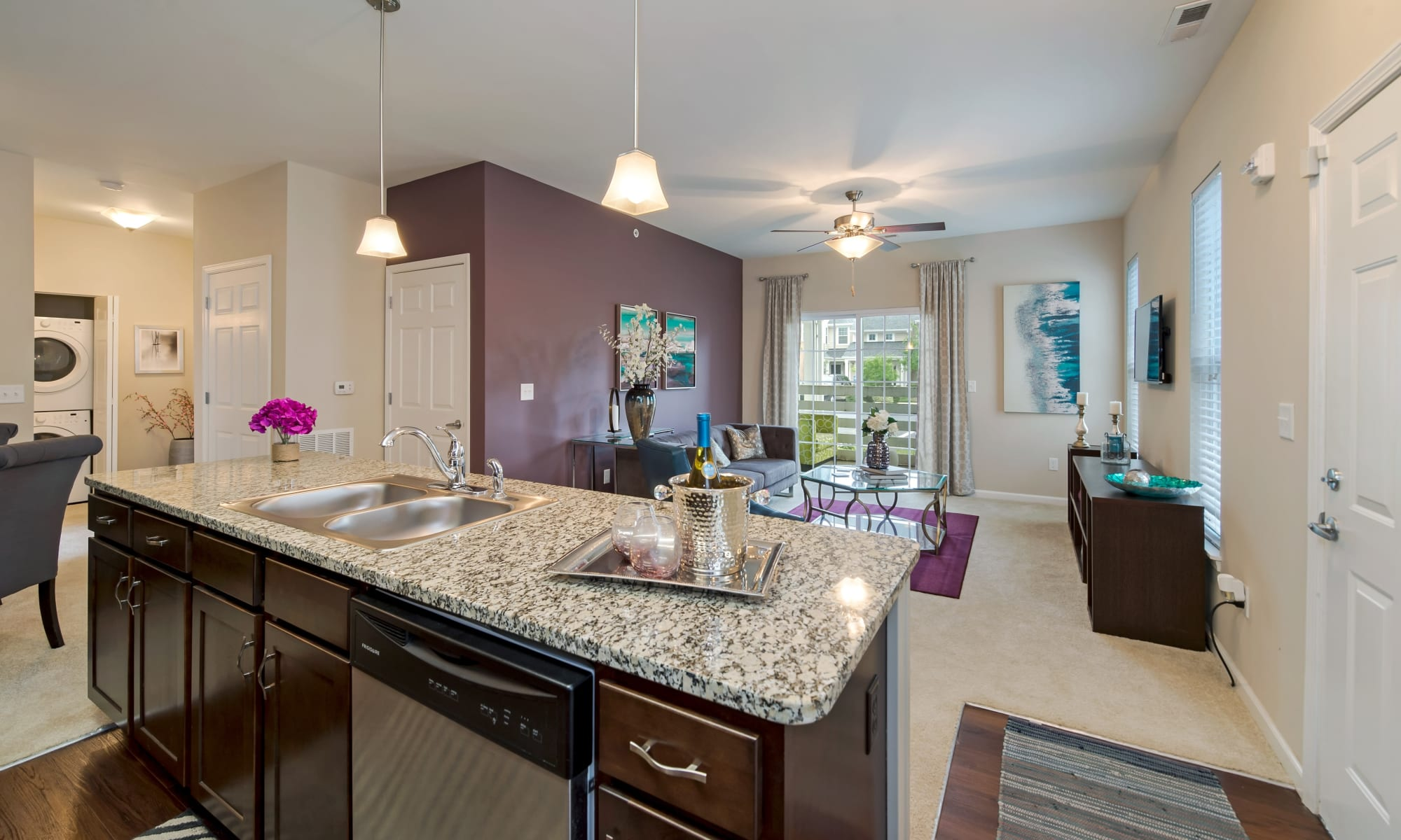 Luxury apartments at Cumberland Pointe in Noblesville, IN