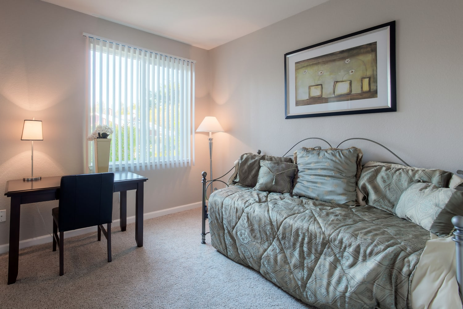 Spacious bedrooms at Cotton Wood Apartments in Dublin, California