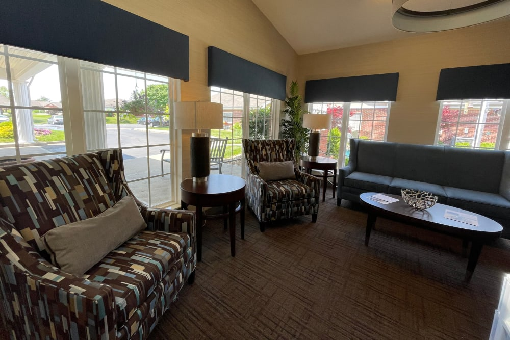 Corner lounge seatign area at Triple Creek Retirement Community in Cincinnati, Ohio