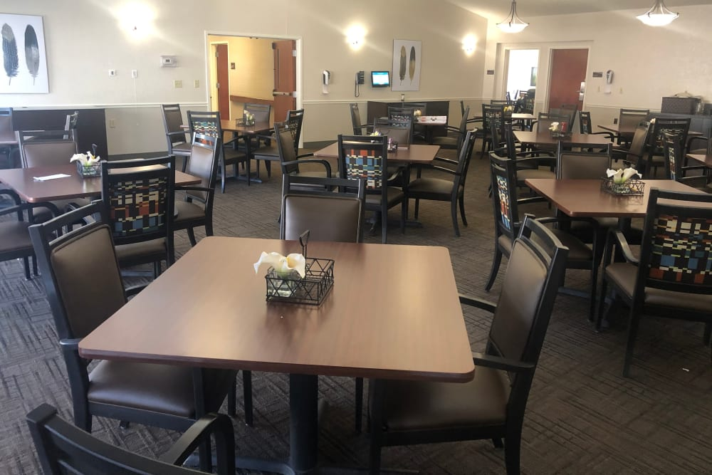 Dining area at Triple Creek Retirement Community in Cincinnati, Ohio